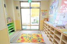 子育て支援センター 玄関(2F)